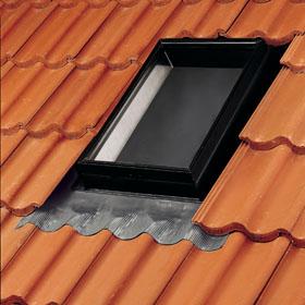 VLT покривен прозорец